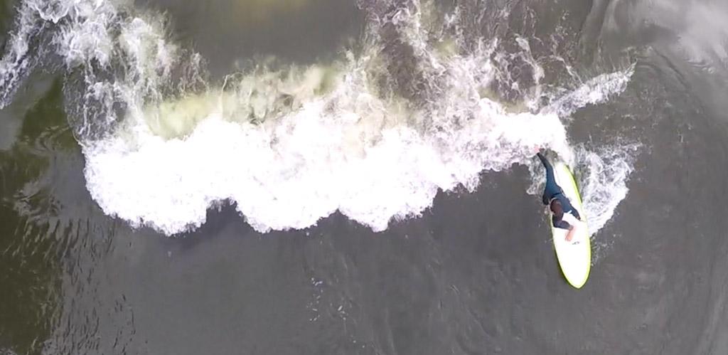 Vu des airs, il n'y a pratiquement pas de différences entre la rivière et l'Océan.