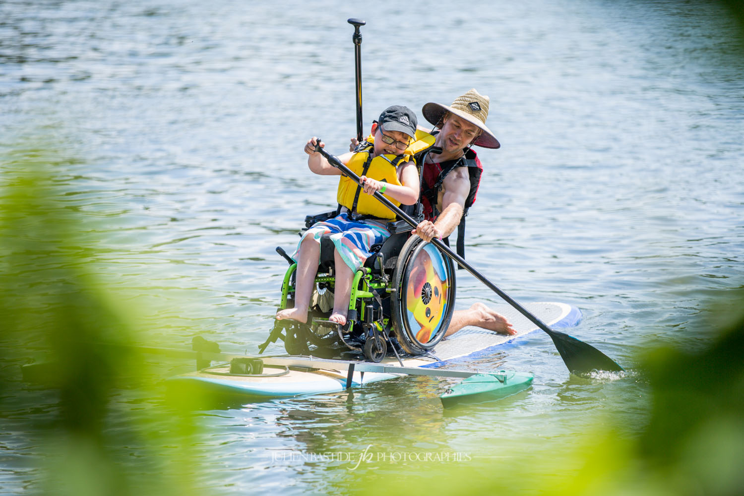 KSF Montréal - SUP - Cours, location, boutique, camp de jour - SUP adapté (paddle board en chaise roulante) - Adapted SUP (wheelchair paddleboard) - SUP yoga & fitness - Courses, rentals, shop, summer camp
