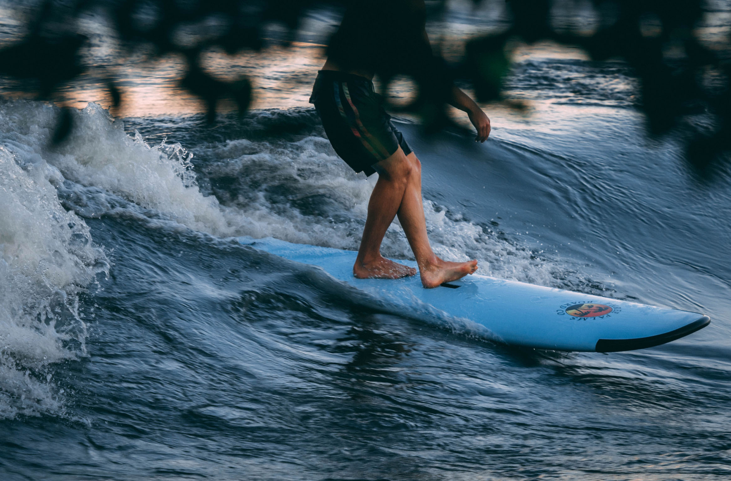 KSF Montréal - SURF - Cours, location, boutique, camp de jour - Courses, rentals, shop, summer camp
