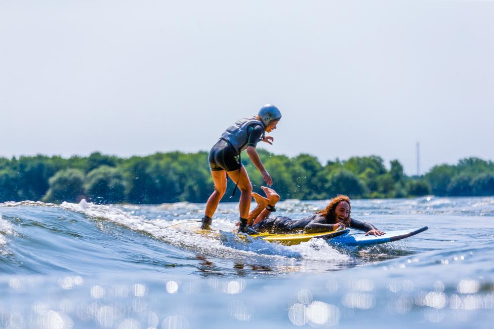Camp de jour spécialisé surf - Nouveau à LaSalle - SURF, SUP, KAYAK